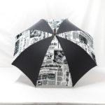 Parapluie droit imprimé journal gris