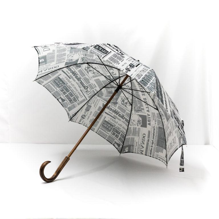 Parapluie droit imprimé journal