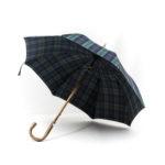 Parapluie anglais de marche tissé écossais vert et bleu