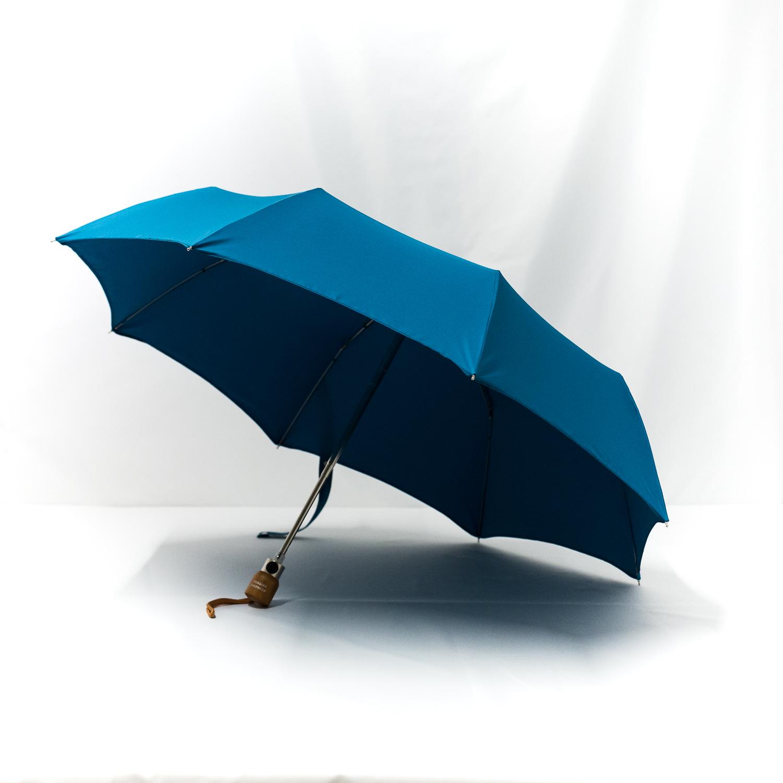 Parapluie pliant classique bleu cobalt